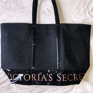 NW/OT Victoria Secret 2018 Limited Weekender Tote
